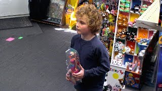 What Would You Do: Mom argues with child over gender appropriate toys   WWYD