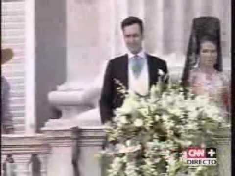 Felipe & Letizia - Balcony appearance - May 22nd, 2004