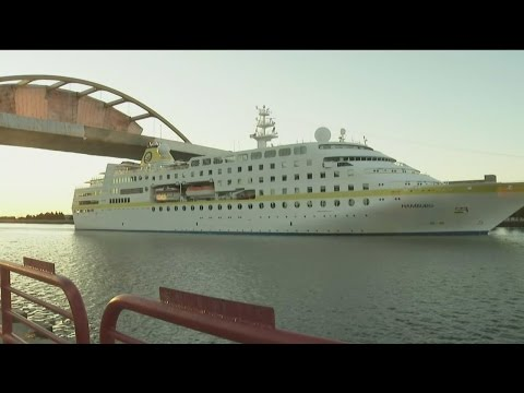 Tourists aboard German luxury cruise ship MS Hamburg visit Milwaukee