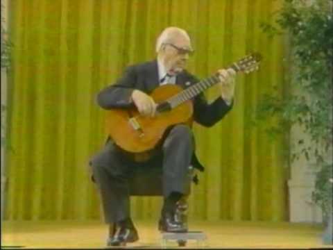 Rare Guitar Video: Andreas Segovia plays Guardame Las Vacas by Luis de Narvaez