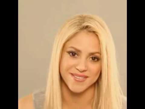 [facebook.com/shakiraineditos]   Shakira envía saludos y besos a sus fans (Español/English)