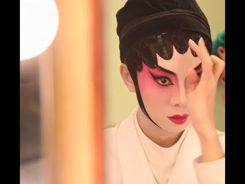 A Dialogue: The Making-of of Cantonese Opera Makeup