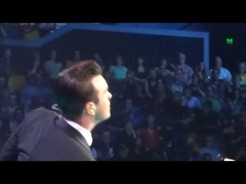 Robbie Williams - Medley Entertain U Rock DJ Millennium Candy  (FRONT ROW) - 22-Sept-14 Brisbane HD