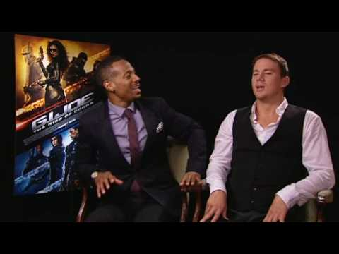 Channing Tatum & Marlon Wayans fight over seaweed! Video