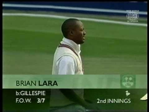 Brian Lara facing Jason Gillespie, clean bowled! 2000 4th test Day 4