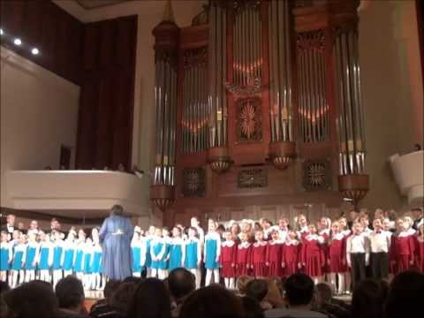 Поет детский хор в Большом концертном зале консерватории. Летите голуби. БКЗ