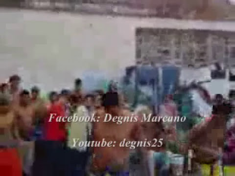 Exhibición de armas en la Cárcel de San Juan de Los Morros