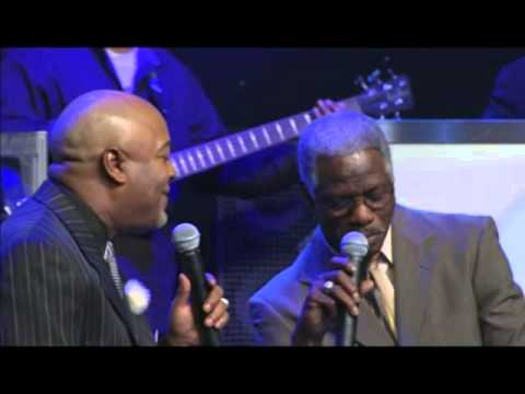 Lee Williams & Harvey Watkins, Jr - What A Wonderful World (live Performance) video