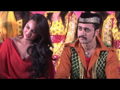 Imran Khan-Sonakshi Sinha Launch 'Tayyab Ali' Song
