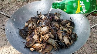 Tasty Fried Crab With Sprite / Field Crab Cooking with Sprite
