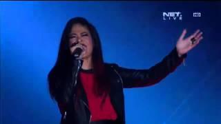 Kikan Feat. Kotak - Bendera - Closing Ceremony Torabika Bhayangkara Cup