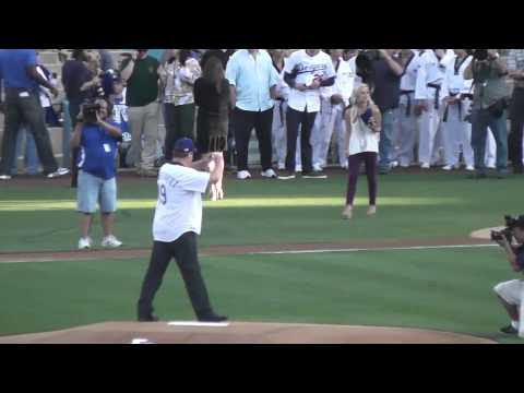 Eric Stonestreet-Cameron Tucker on Modern Family Throws out Ceremonial First Pitch at Dodger Stadium
