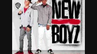 Watch New Boyz Teach Me How To Jerk video