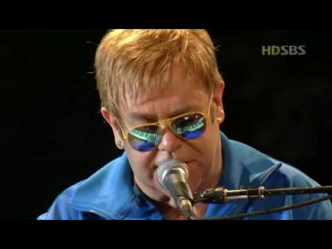 Elton John - Can you feel the love tonight (Live In Seoul 2004 HD)
