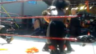 Extreme midget wrestling federation at thunder in