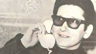 Watch Roy Orbison Circle video