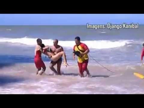 """""""Atenção na praia de Boa viagem não há mais local seguro para banhista. Nós estávamos no local""""seguro"""" aonde nunca houve ataques de tubarão,"""" AT� AQUELE DIA!..."""
