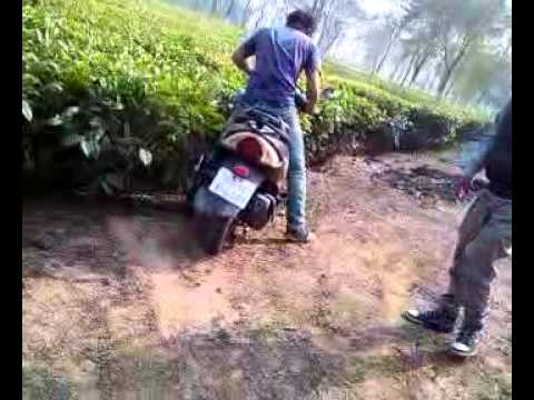 at kokrajhar chai bagan - funny crash (by sagar brahma) - uploaded by- 7col