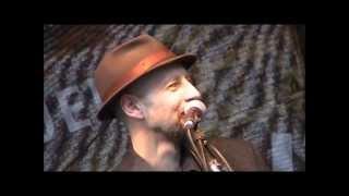 Watch Bob Dylan Outlaw Blues video