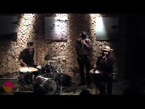 """Devon Coyote """"Broken Down"""" www.streamingcafe.net"""