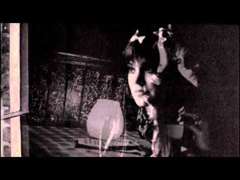 Melanie Safka - Sign On The Window
