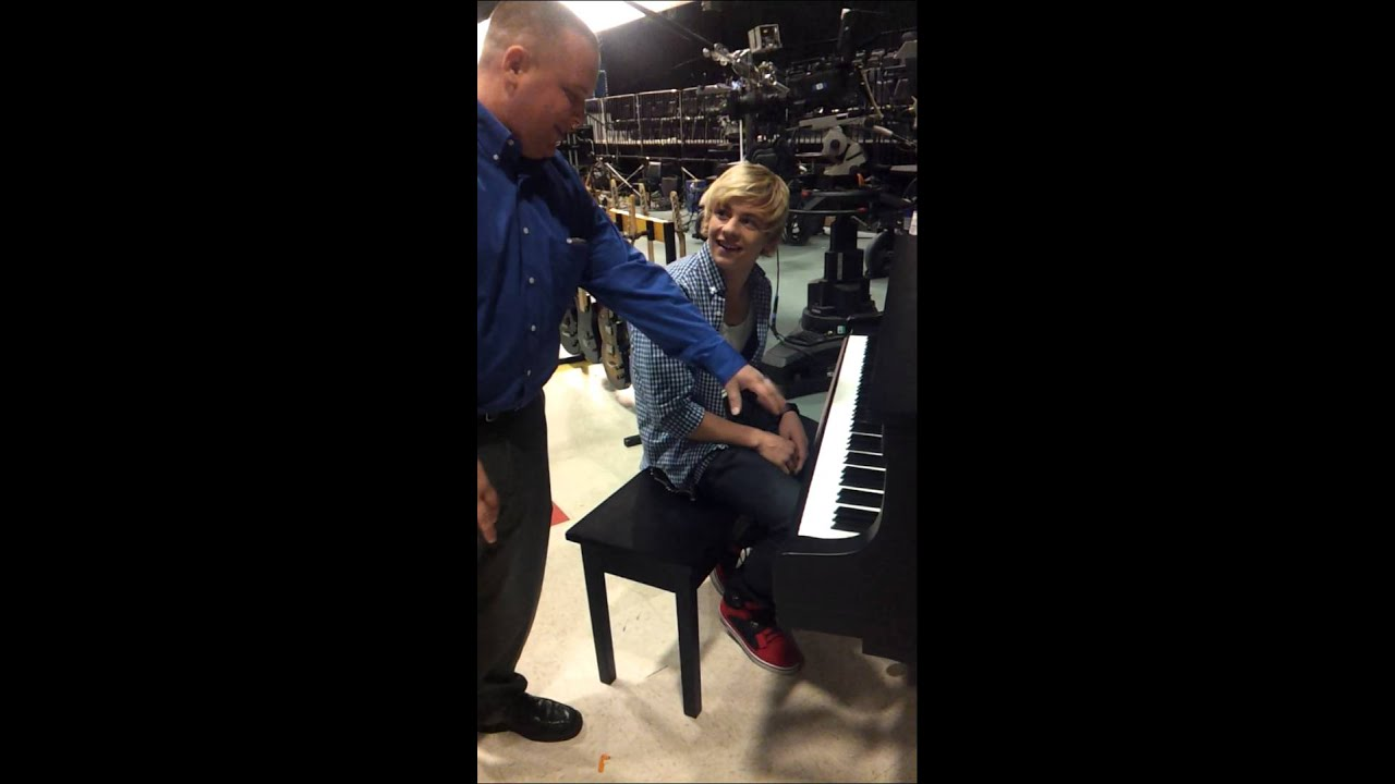 Ross Lynch (Austin Moon) and I in an impromptu piano ...