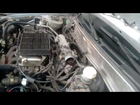 Mitsubishi Lancer 99...faltando muita manutenção !!!