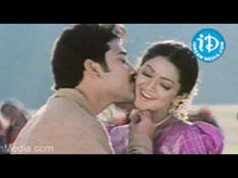 Sankranthi Movie Songs - Aade Pade Song - Venkatesh - Arti Agarwal - Sneha - Srikanth video