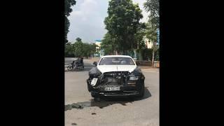 Roll-Royce Wraith 1 million dollars crash in Vietnam