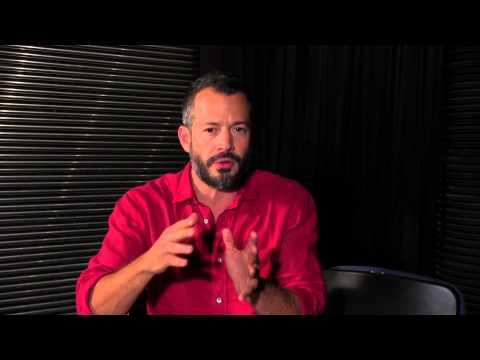 MALVINO SALVADOR fala sobre a peça CHUVA CONSTANTE - com Erica Reis