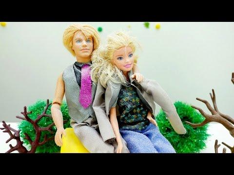 Детские игрушки и игры для девочек: куколка Барби замерзла