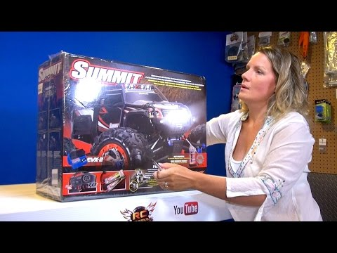 RC ADVENTURES - Jem unboxes her Traxxas Summit 4x4. Electric Radio Control Truck!
