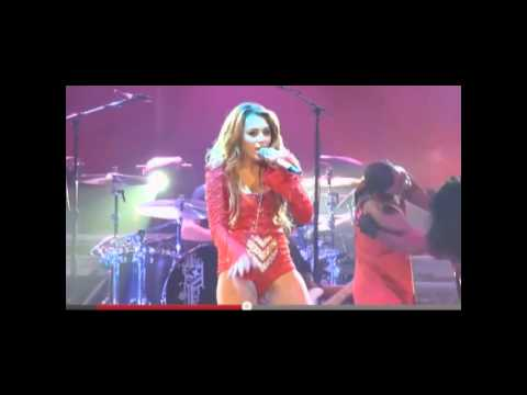 MILEY CYRUS VAGINA SHOT ON STAGE!!! 720p HD