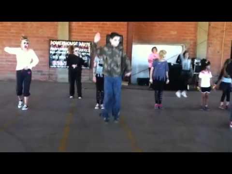Austin Dancing. 3