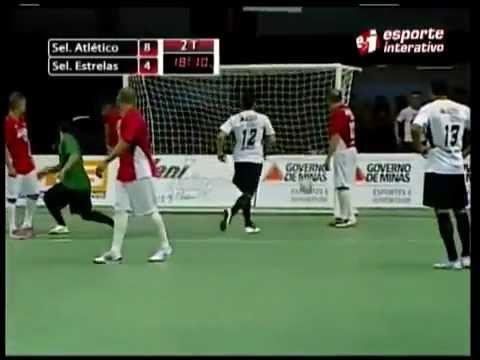Falcão faz Gol inacreditável em jogo das estrelas de Futsal