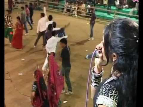 Gujarati Garba Song Navratri Live 2011 - Lions Club Kalol - Vikram Thakor - Day-10 Part-10