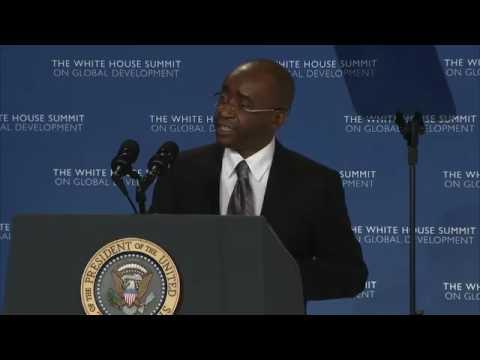 Strive Masiyiwa CEO of ECONET introduces US President Barack Obama