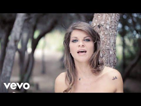 Alessandra Amoroso - Bellezza, incanto e nostalgia