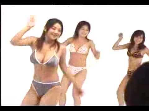 小池栄子が水着でセクシーダンス