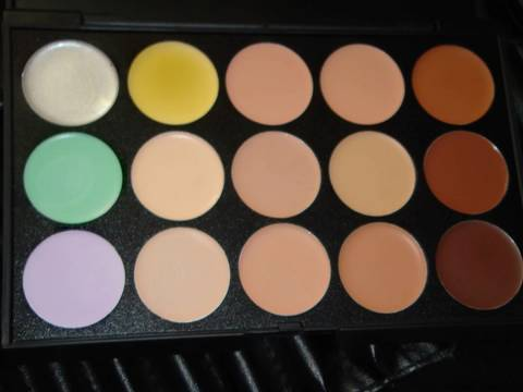 15 Camouflage Concealer / Corrector Palette Review