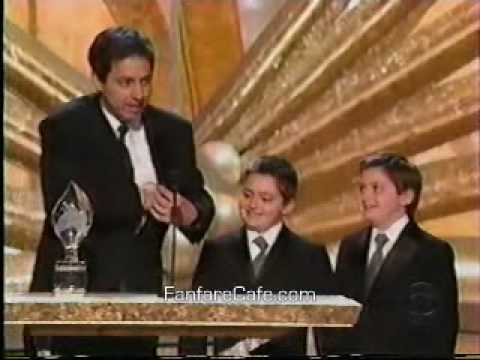 Peter Boyle Presents Ray Romano with Award - 2003