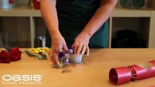 OASIS® Floral Products ~ How To ~ A Christmas Cracker