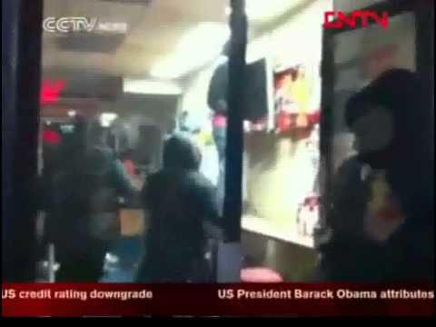 London riots # Tumultos em Londres # TvChinesa # CCTV News (Ingl.) (Engl.)