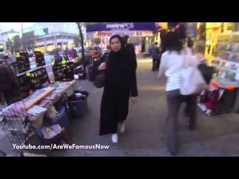 New York Sokaklarında Tesettürsüz ve Tesettürlü Arasındaki Fark
