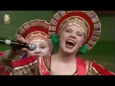 """Szűk kis utcácska c.dal a """"Zabajkalje"""" nevű ének és tánc együttes előadásában."""