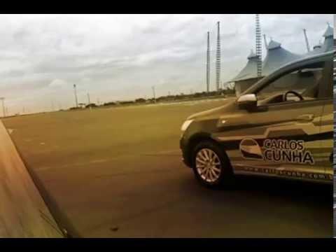 """Vaga """"apertada""""? Aprenda Como estacionar com o piloto Carlos Cunha parte 3"""