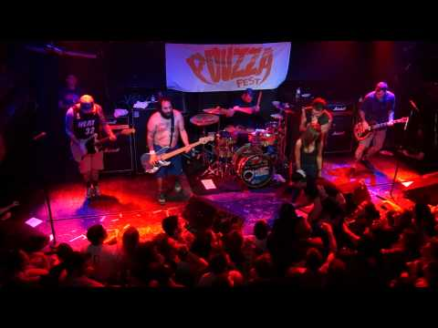 New Found Glory - Forget My Name live 2013 - Live Pouzza Fest 2013 Montreal with lyrics HD/HQ