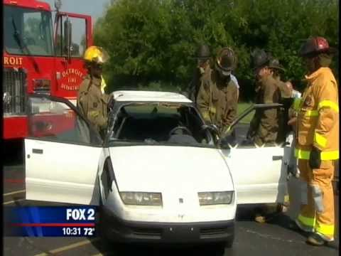 FR4F Battle of the Badges - Vehicle Extrication (Southfield Fire vs Detroit Fire)
