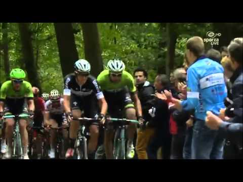 Eneco Tour 2014   Elbow fight between Niki Terpstra and Maarten Wynants