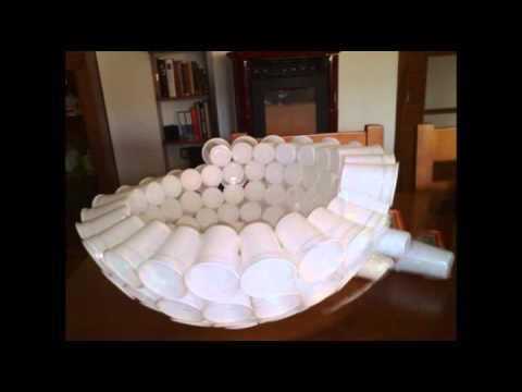 Muñeco de nieve con vasos plásticos.avi
